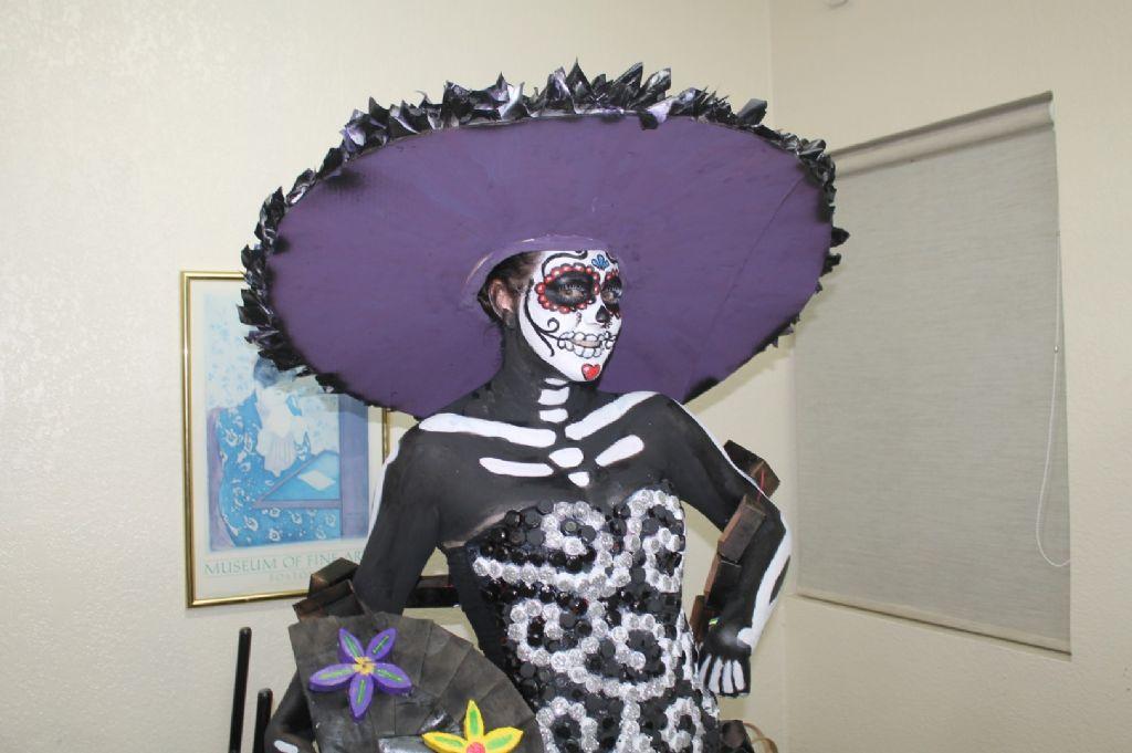 Imagenes De Vestidos De Catrina Con Material Reciclado 3
