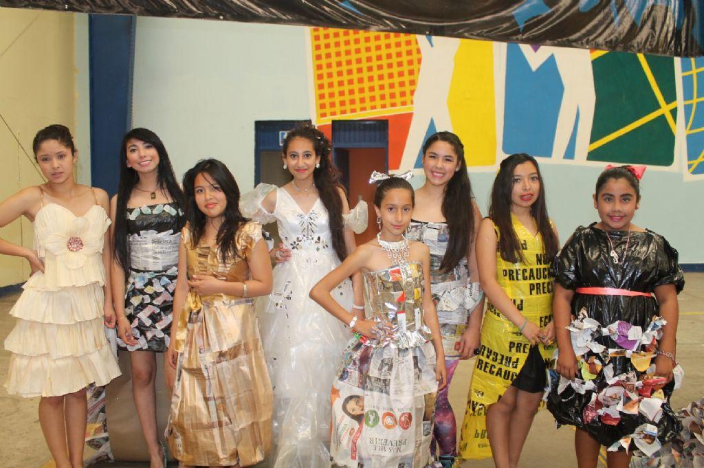 Participantes del concurso posaron para la foto del recuerdo. Fotos: Johana Ochoa