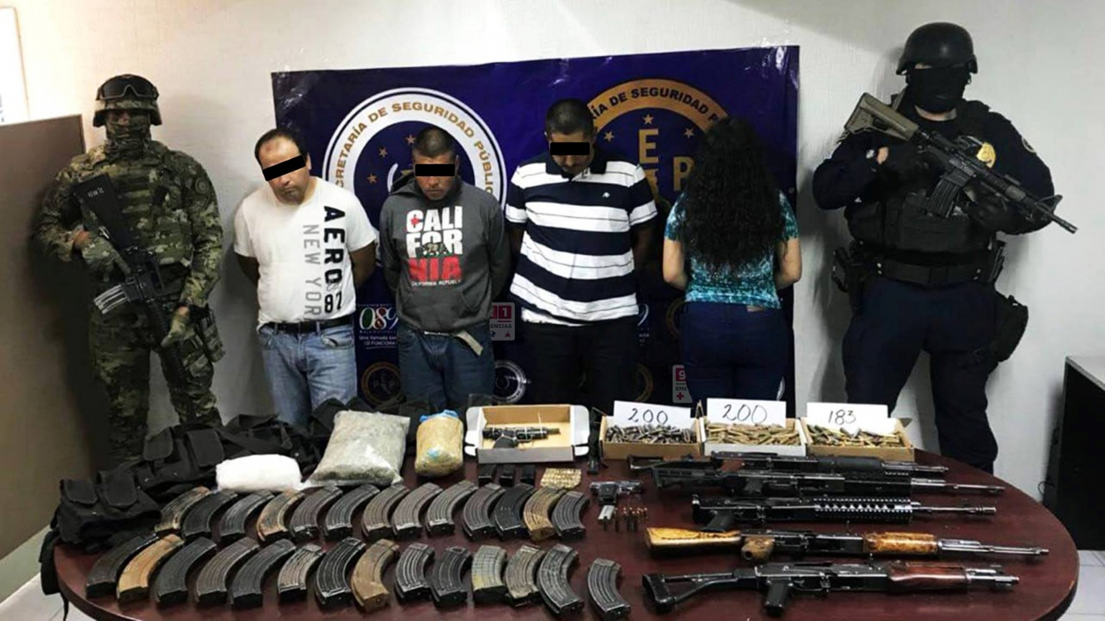 decomisan arsenal a presuntos narcos