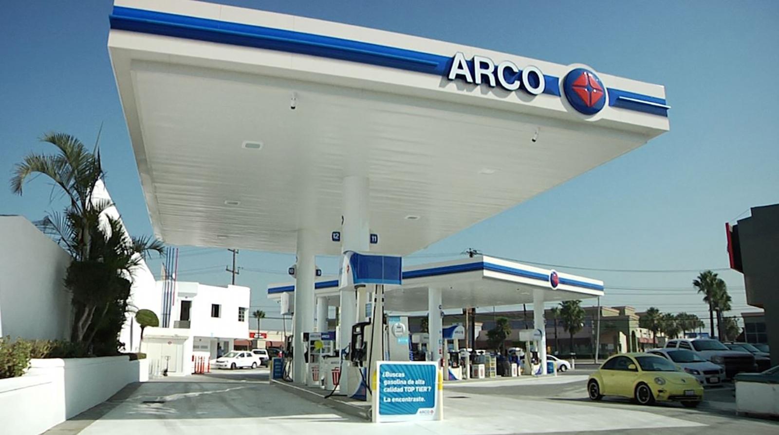 Arco inaugura su estación de gasolina en Tijuana