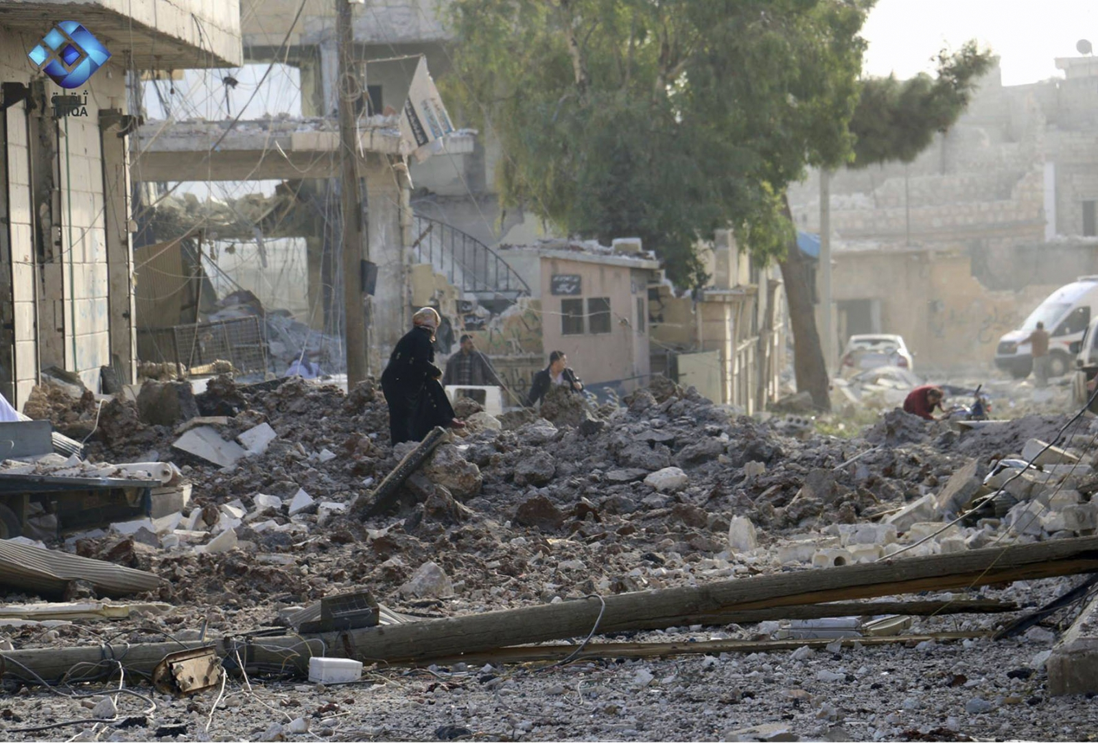 Mueren 53 civiles en bombardeos contra mercado Siria