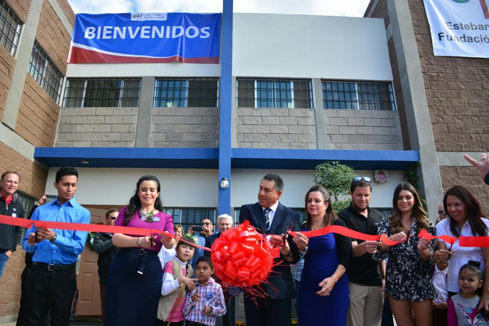 Inaugura DIF casa hogar - El Vigía