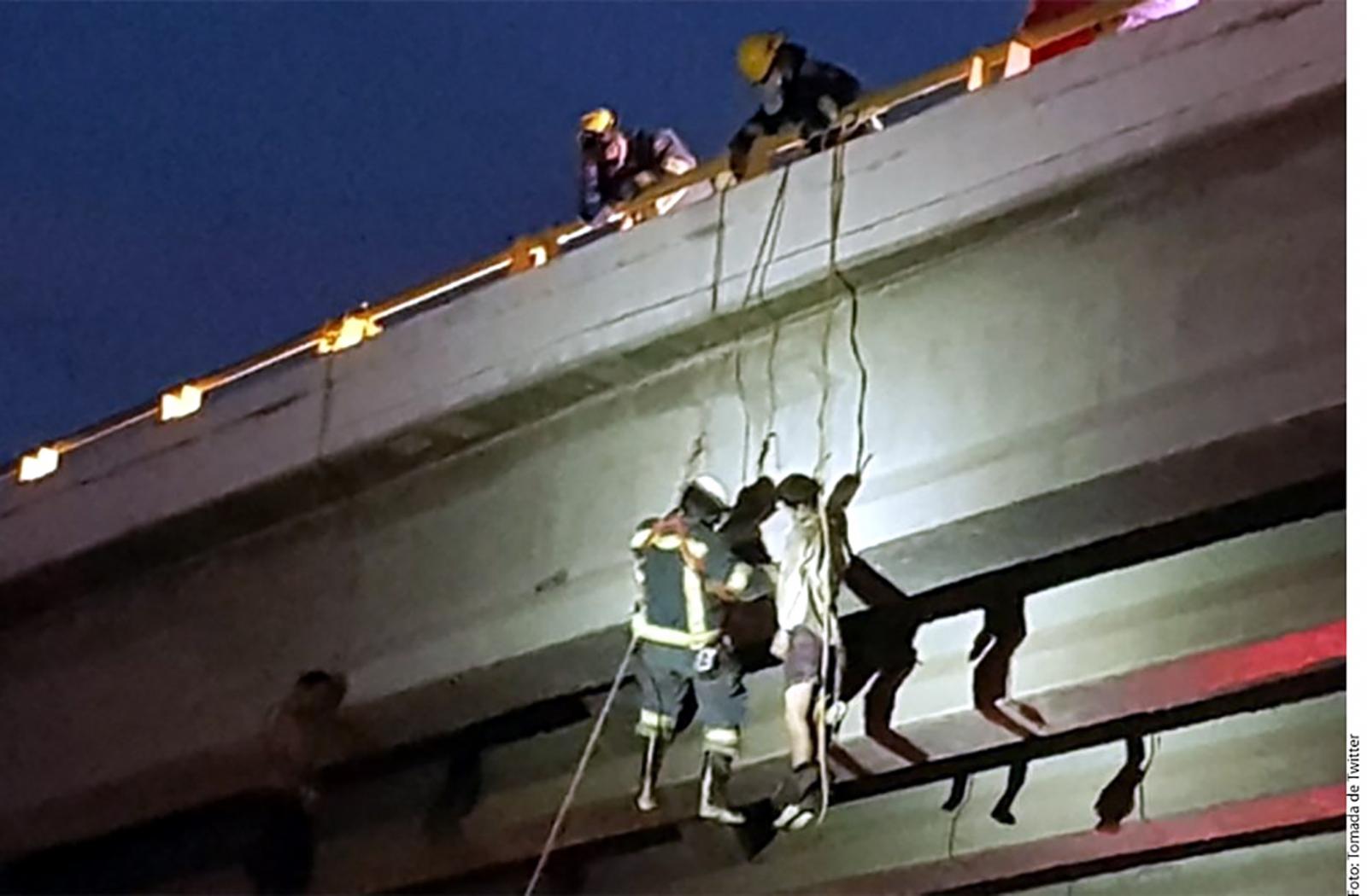 Cuelgan seis cadáveres en puentes de La Paz y Los Cabos