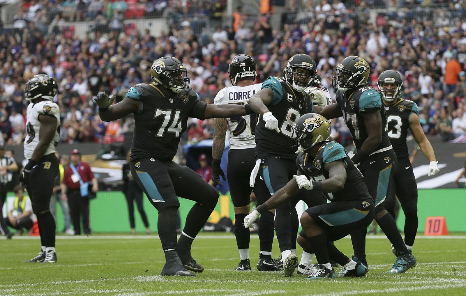 Trump quiere echar a los que protestan contra el racismo — NFL