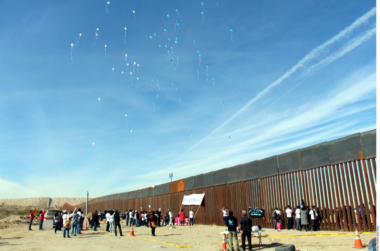 Insiste Trump; solicita al Congreso 18 mmdd para muro, informa WSJ
