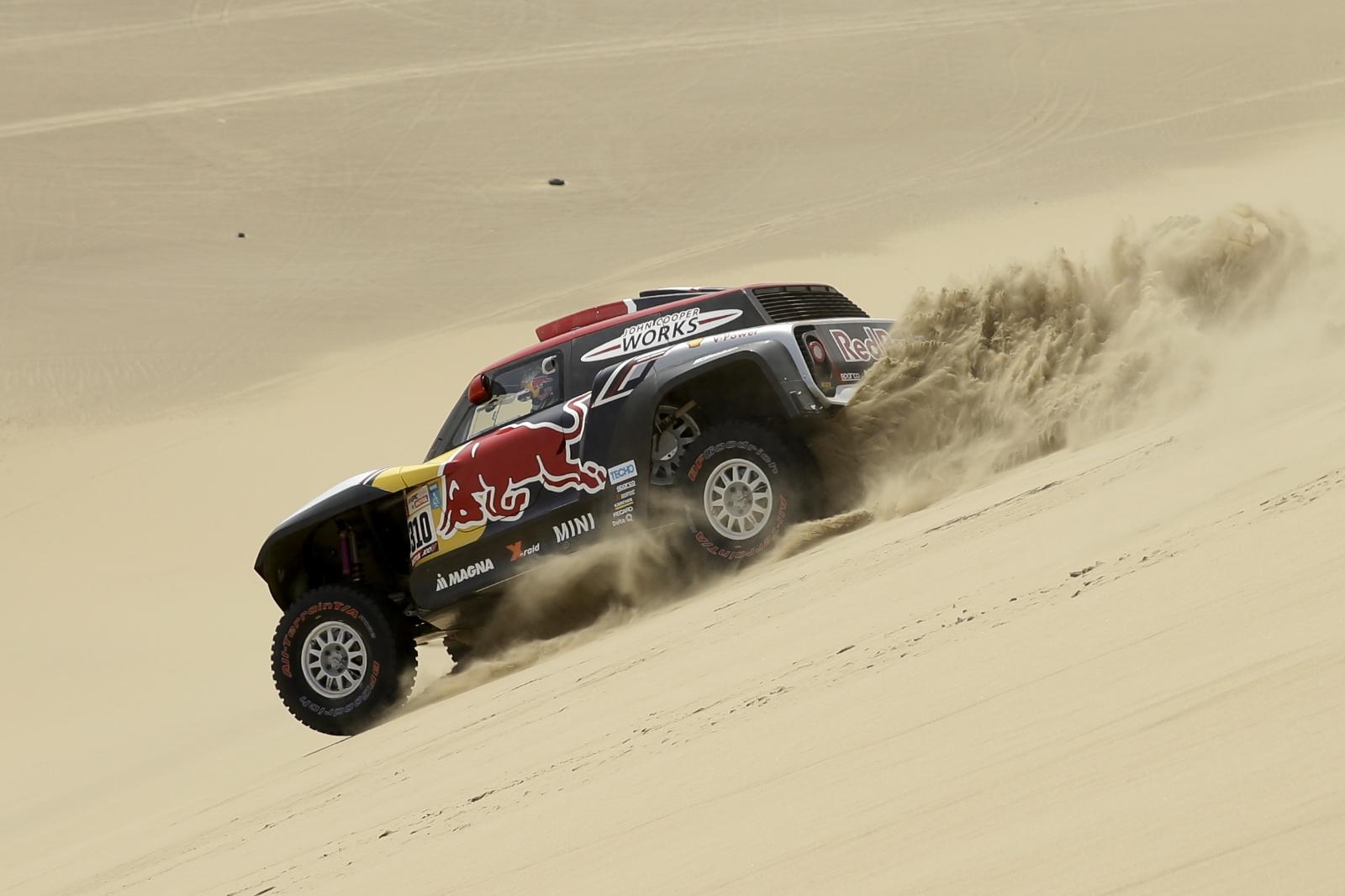 Rally Dakar 2018: Auto de Bryce Menzies queda destrozado en accidente [FOTOS]