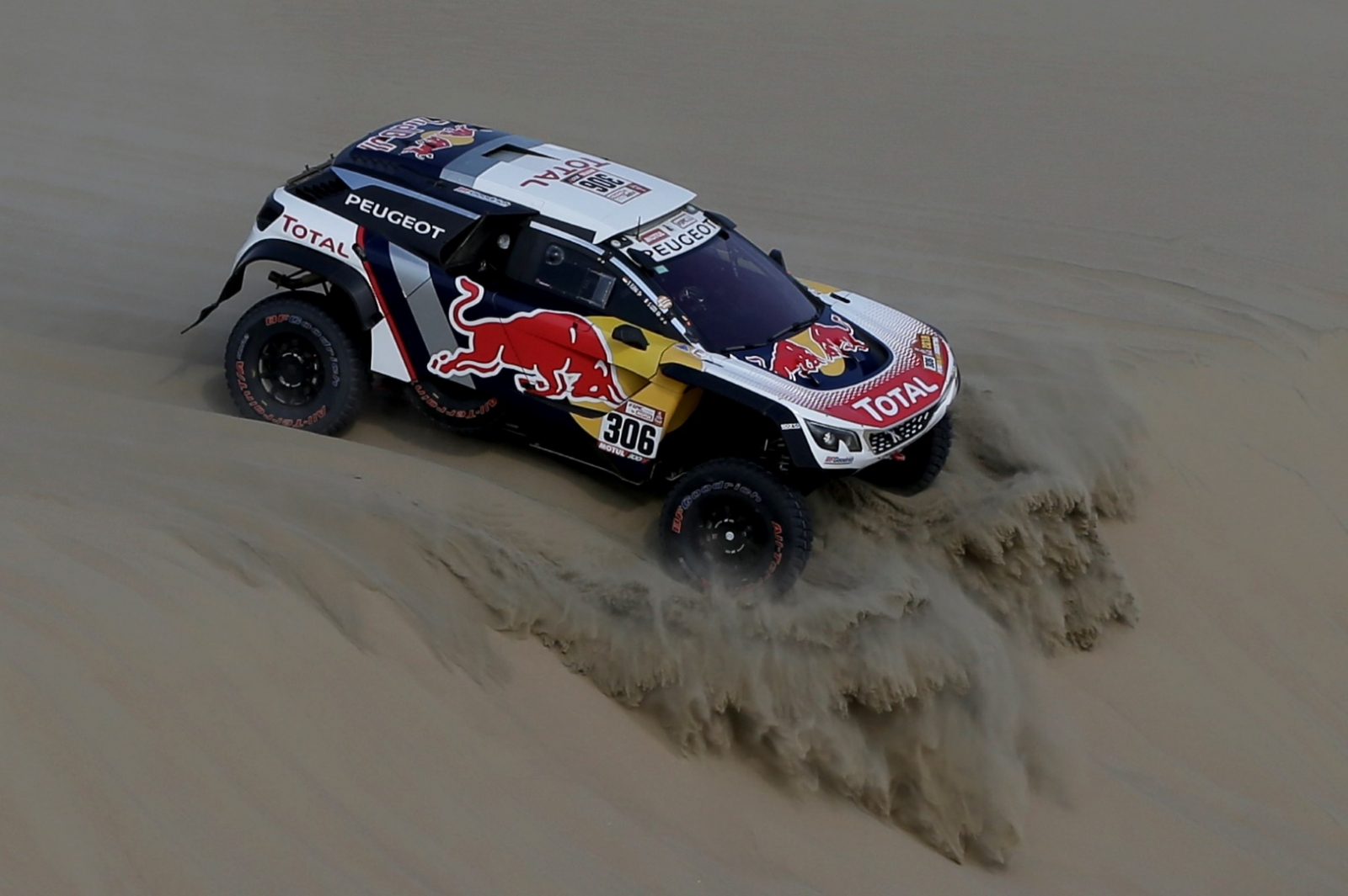 Dakar 2018: Sebastian Loeb abandona la competencia por lesión de su copiloto