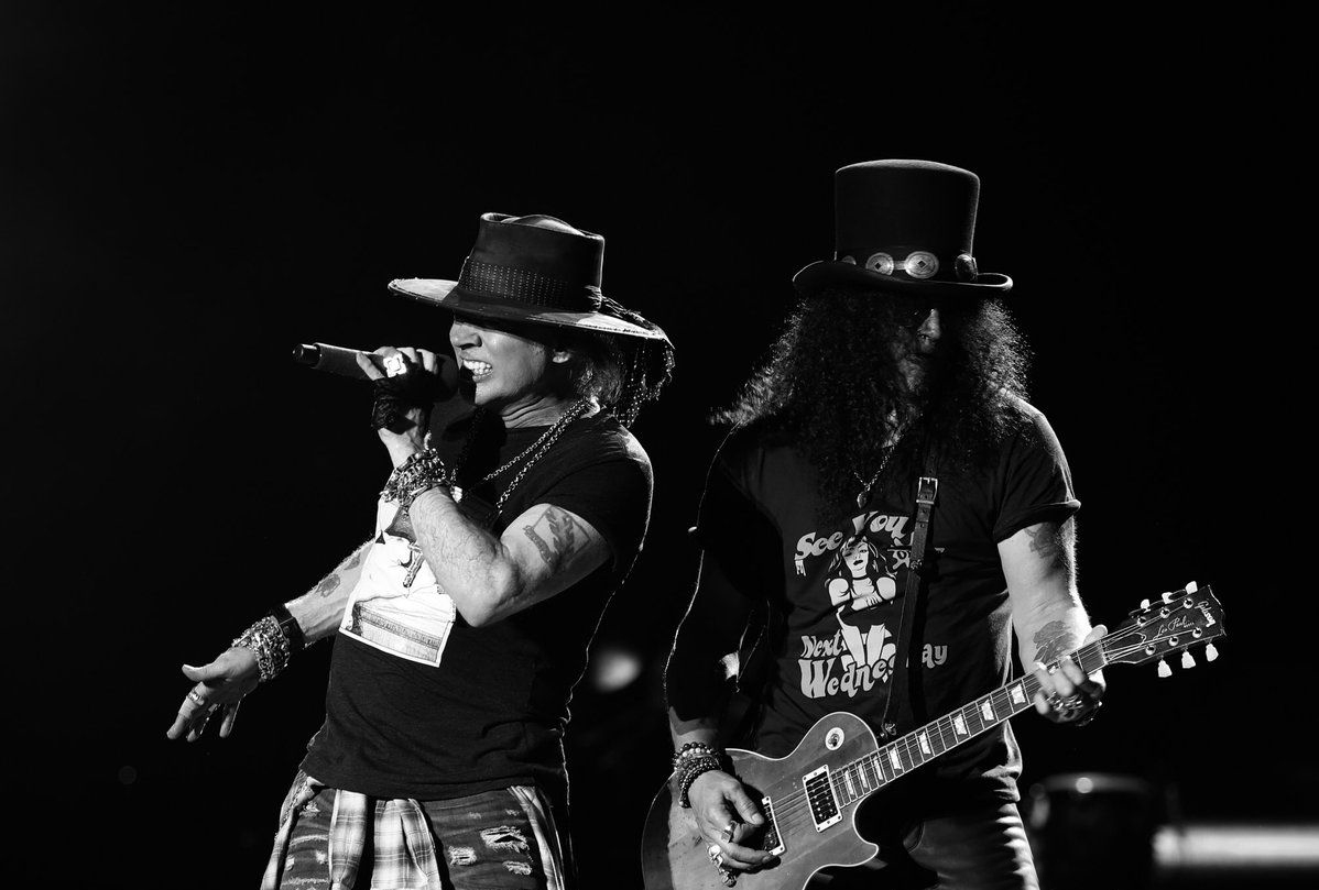 Guns N' Roses termina show por Axl Rose