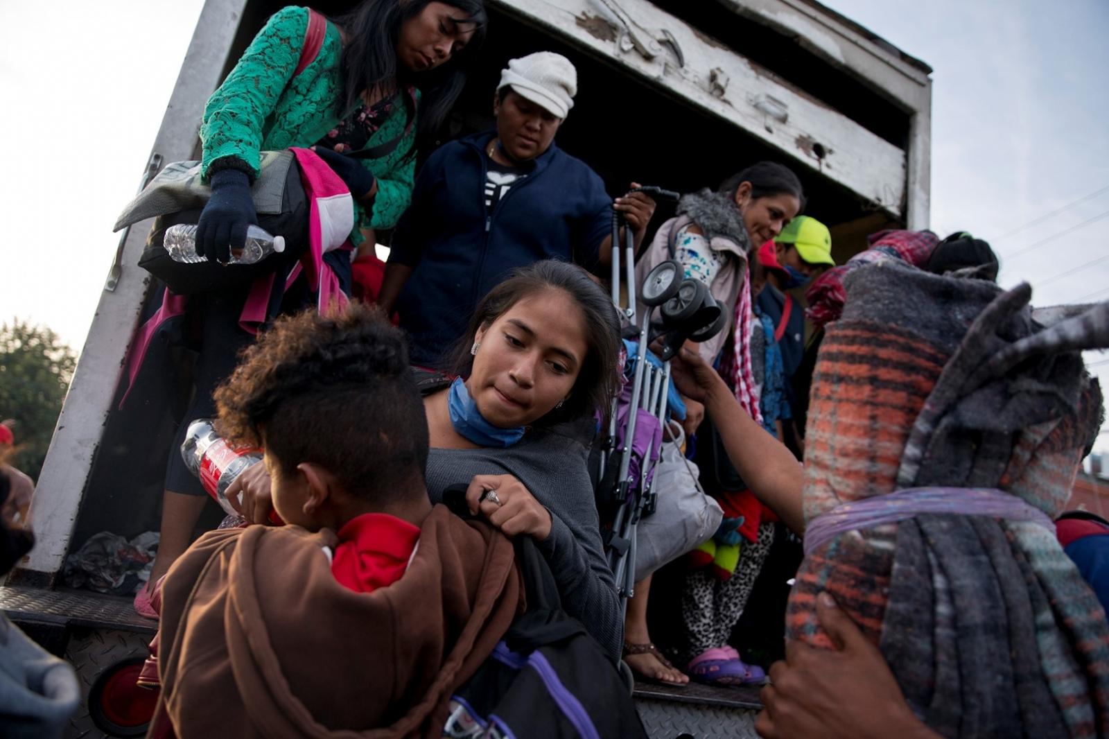 La llegada de 9.000 migrantes más colapsa la ciudad de Tijuana