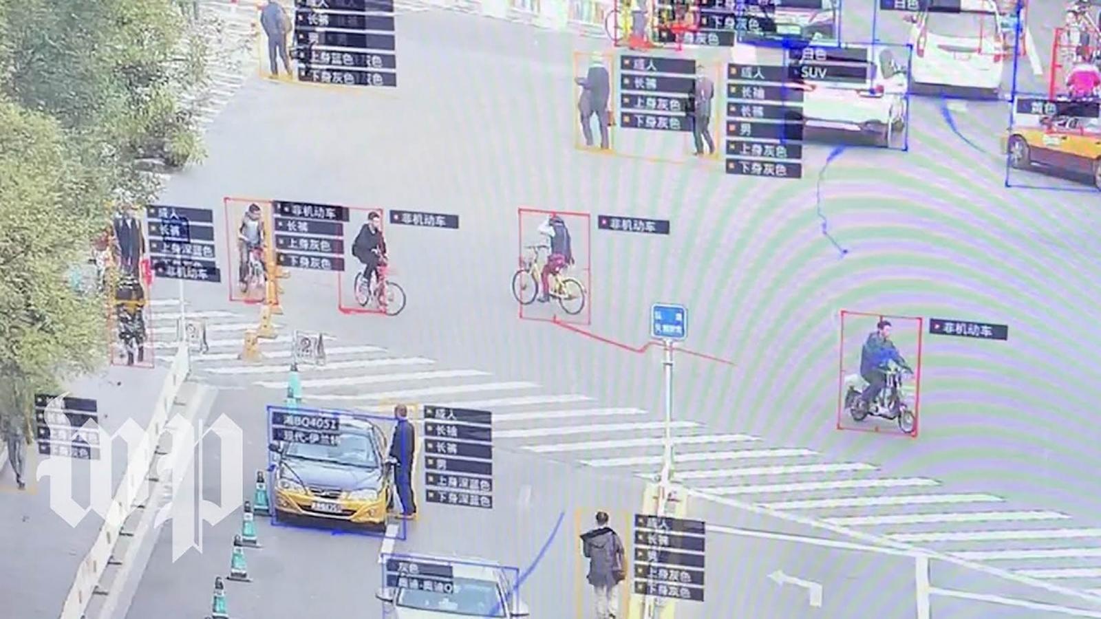 La policía usa gafas con reconocimiento facial contra los delincuentes — China