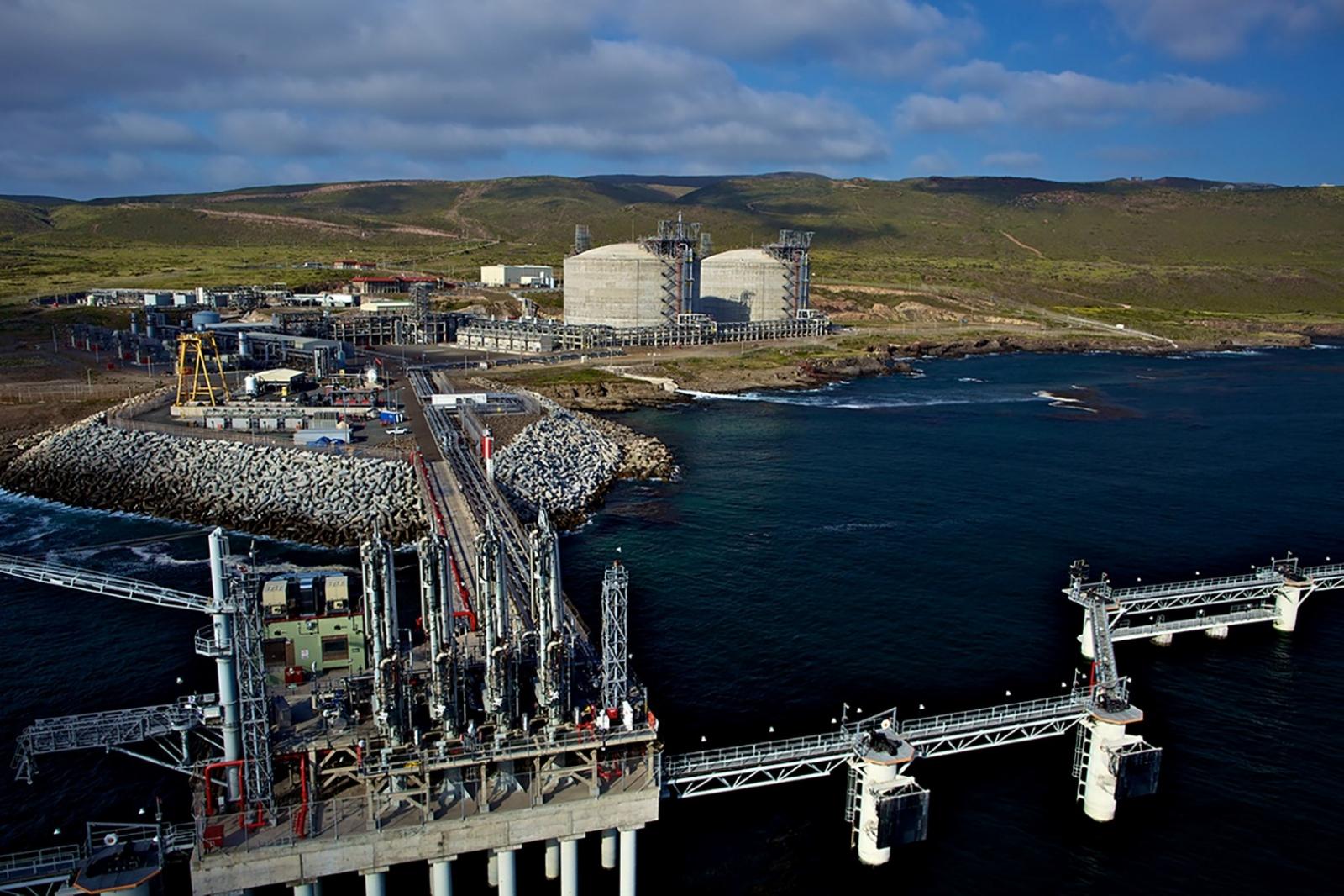 IEnova anuncia una inversión de 130 mdd para construir terminal marina