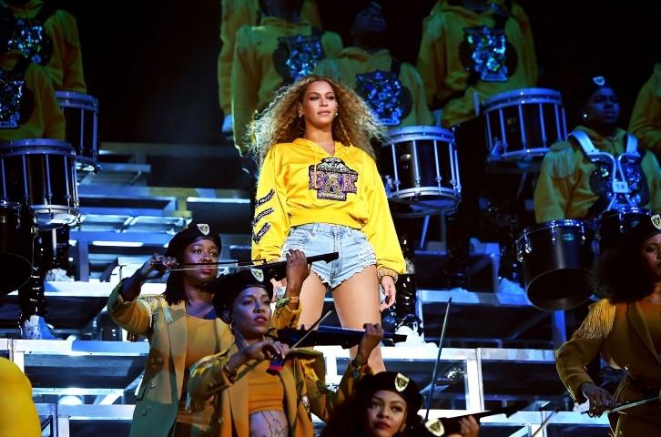 Beyoncé sorprende en festival Coachella