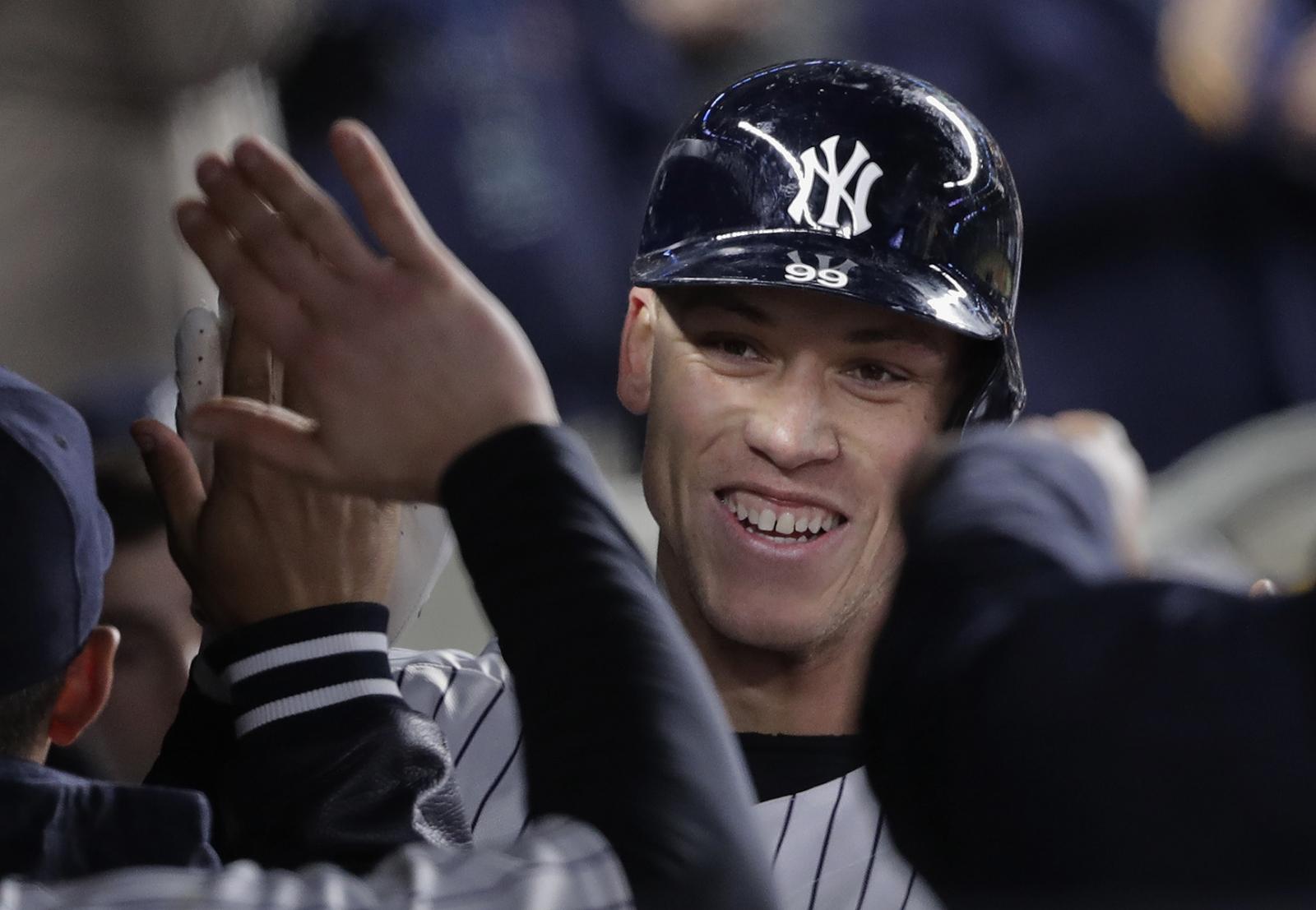 Yankees despluman a Azulejos con jonrón de Aaron Judge