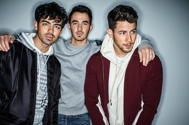 Jonas Brothers participan en el famoso Carpool Karaoke — Instagram
