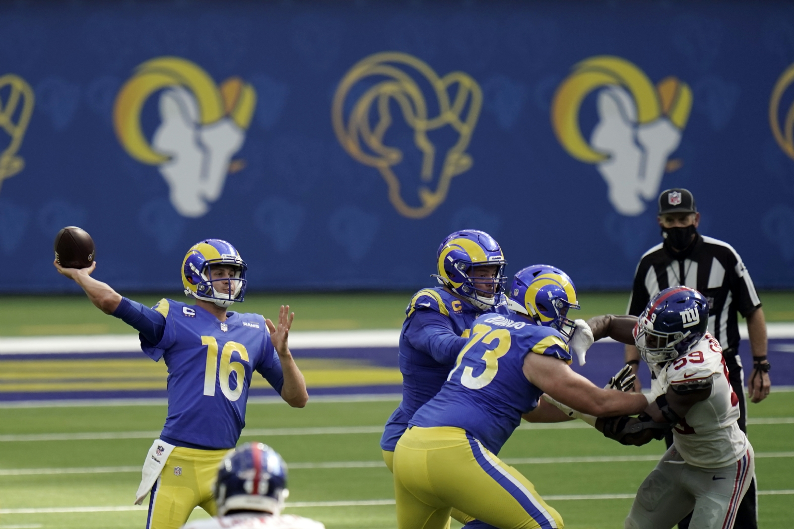 Rams se imponen a los Bears en el Monday Night Football — NFL