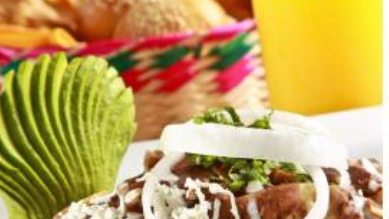 Chilaquiles En Salsa De Chile Morita Y Chicharrón El Vigía