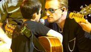 El ni�o mexicano que canta con U2 por el mundo
