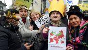 Marchan famosos  a favor del clima