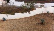 Acusan vecinos intenci�n de levantar casa en �rea verde
