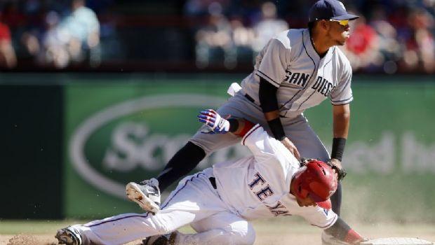 Ross lleva a Padres al triunfo sobre Rangers