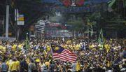 Demandan malasios dimisi�n de premier