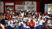 Entrega presidente municipal reconocimientos a medallistas de Olimpiada Nacional 2015