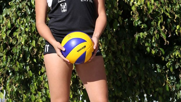 Brillan en voleibol