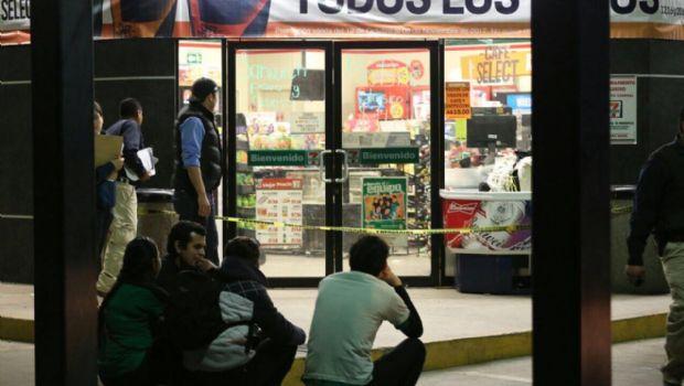 Muere empleado de tienda tras asalto