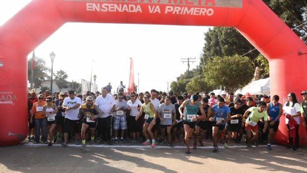 Apoyan con víveres en carrera atlética de 5 km