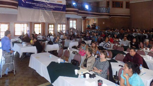 Presenta SEE Congreso para la red de padres de hijos con discapacidad
