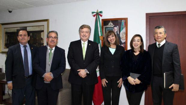 Se reune gobernador Francisco Vega con funcionarios de la SCT