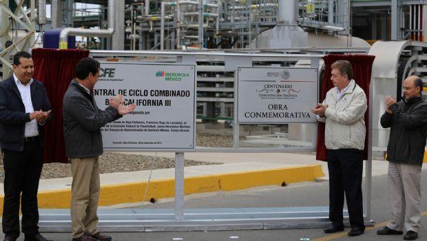 Inaugura CFE central eléctrica