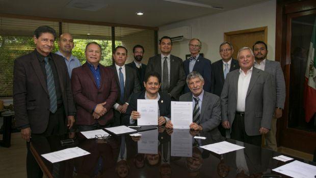 Firman convenio SEE y la SDSU