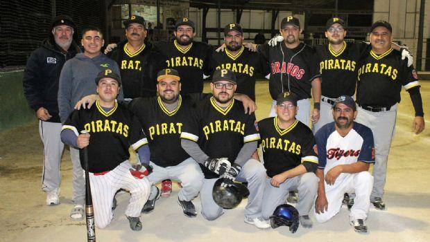 Triunfan Piratas  y Pinturas Kris