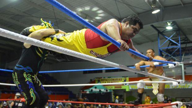 Luchará Santa en Ensenada