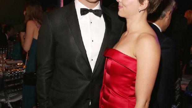 Scarlett Johansson confirma noviazgo