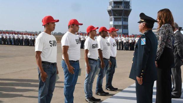 Concluyen jóvenes el servicio militar