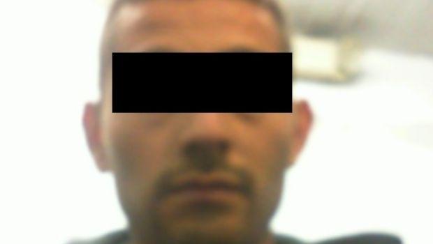 Detiene la DSPM a sujetos en presunta posesión de vehículo robado