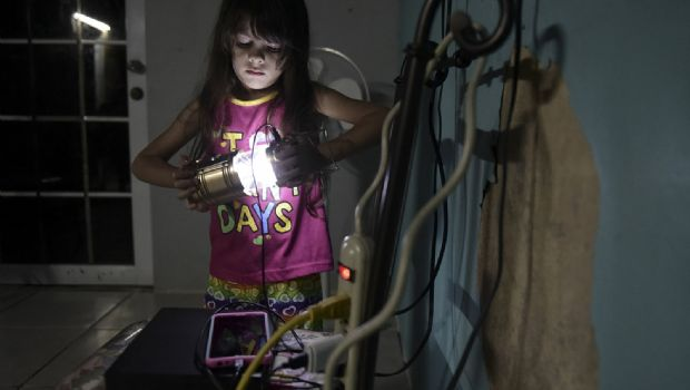 Siguen sin luz en Puerto Rico