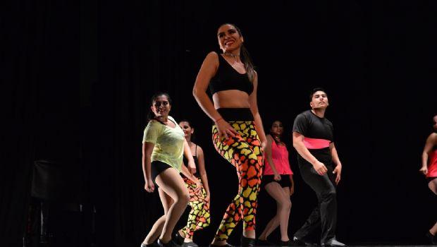 Sienten pasión por la danza