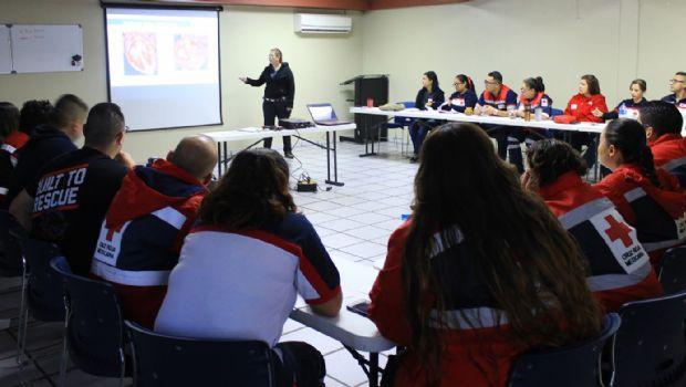 Imparten taller de primeros auxilios