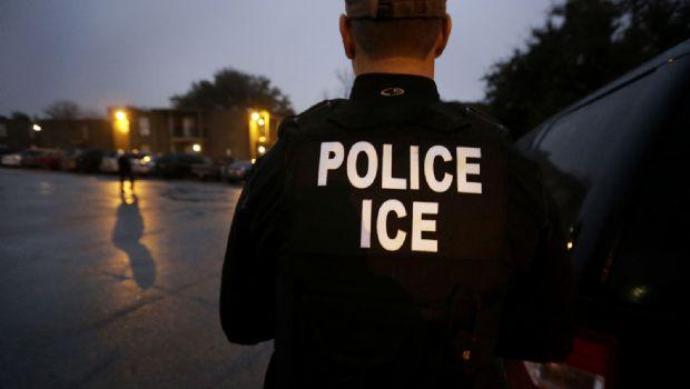 Disminuyen arrestos y aumentan deportaciones