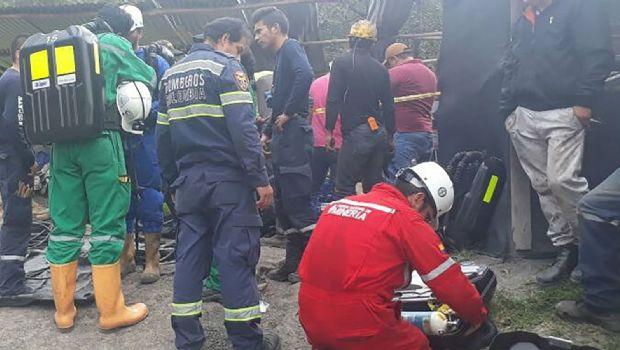 Fallecen seis por explosión en una mina