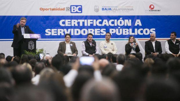 Entregan certificaciones en competencia laboral