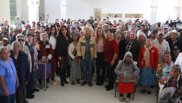 Festeja el DIF a adultos  mayores de Maneadero