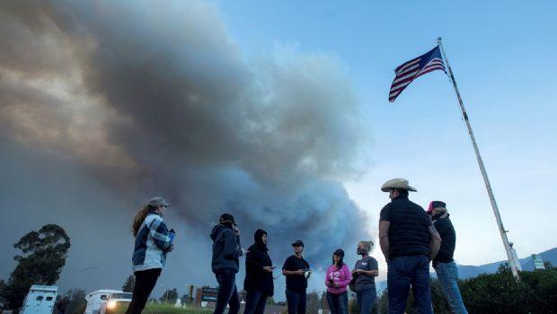 Eleva California alerta por fuego