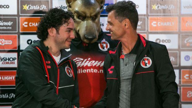 Presenta Xolos  a Diego Cocca