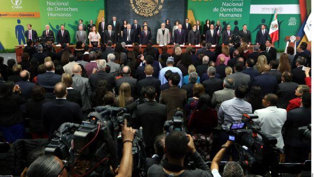 Pide Peña ampliar diálogo sobre ley