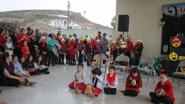 Realizaron bazar alumnos del Cedia