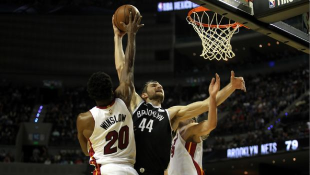 Miami vence a Nets en CDMX